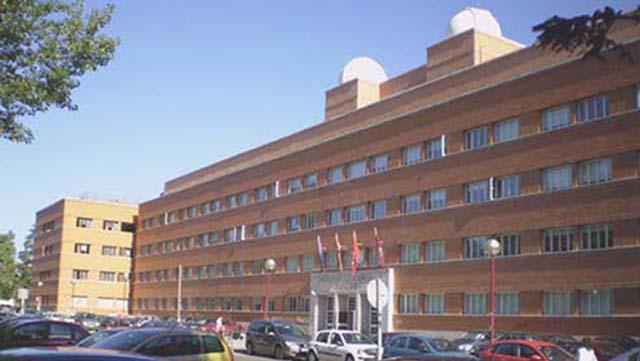 Rehabilitación Facultad Ciencias Físicas. Madrid