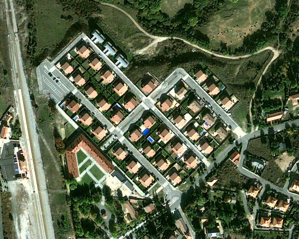 Urbanización, Proyecto y Dirección de Obra de 100 viviendas. Estación de El Espinar / Segovia